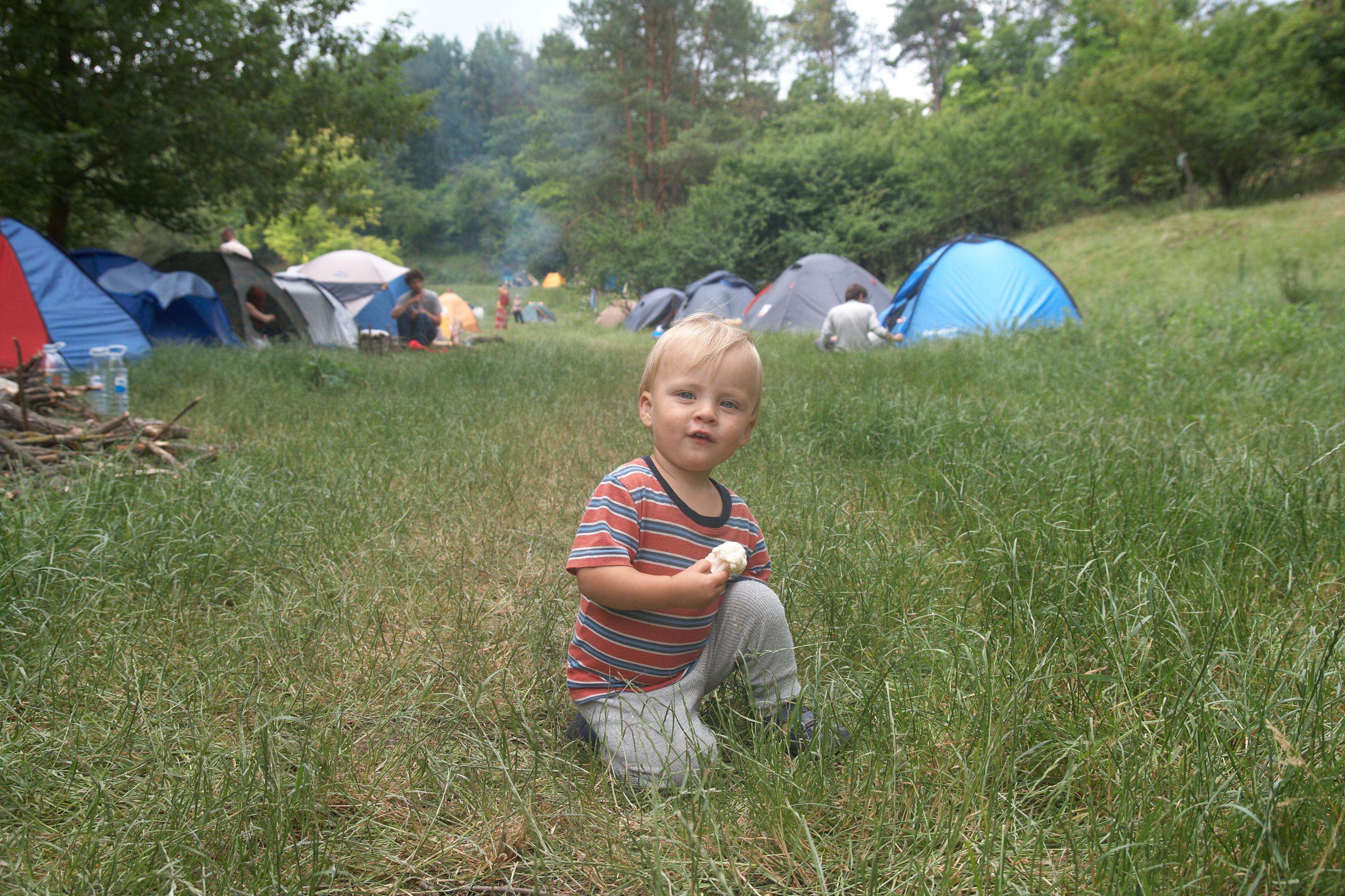 отдых с ребёнком в палатке, ночёвка в палатке с ребёнком