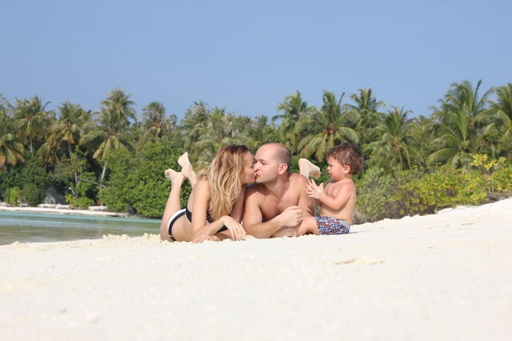 Мальдивы: в какую экзотическую страну лучше поехать с ребёнком