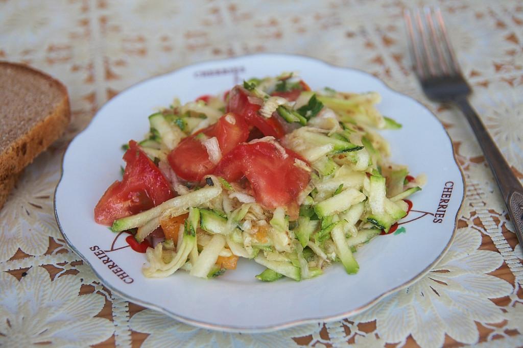 салат из кабачков, рецепты из кабачков, вкусный салат рецепт