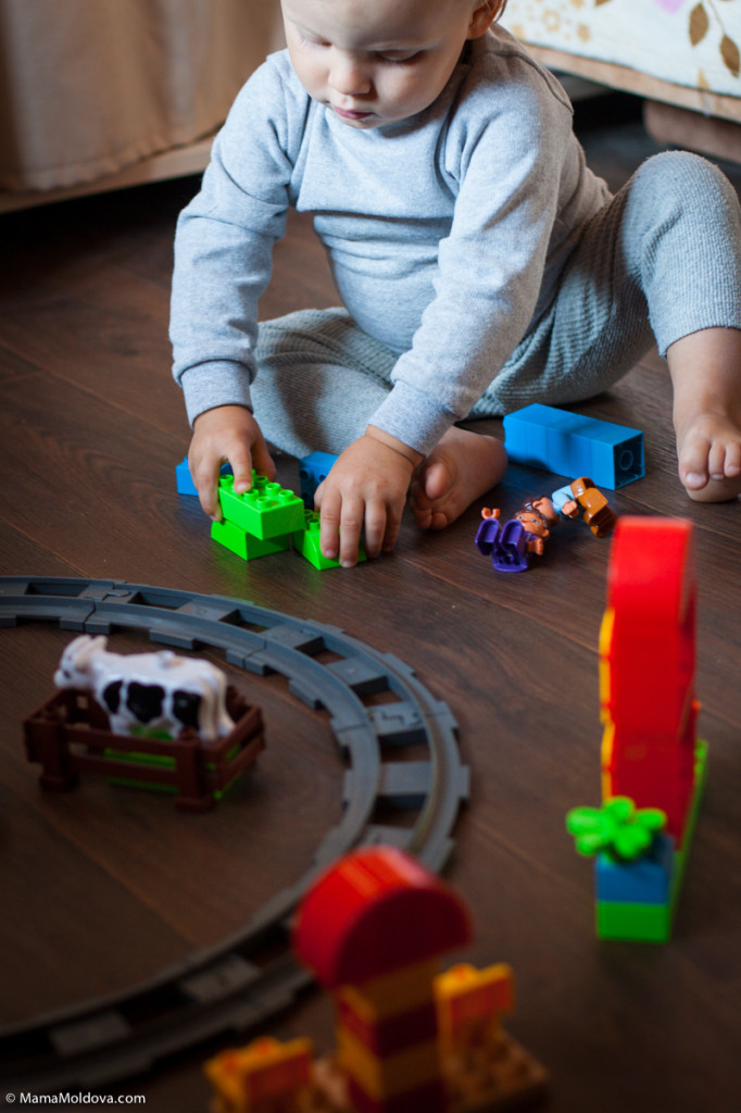 поезд на рельсах JIXIN, какой поезд на батарейках лучше, поезд конструктор для ребёнка 2 года 3 года