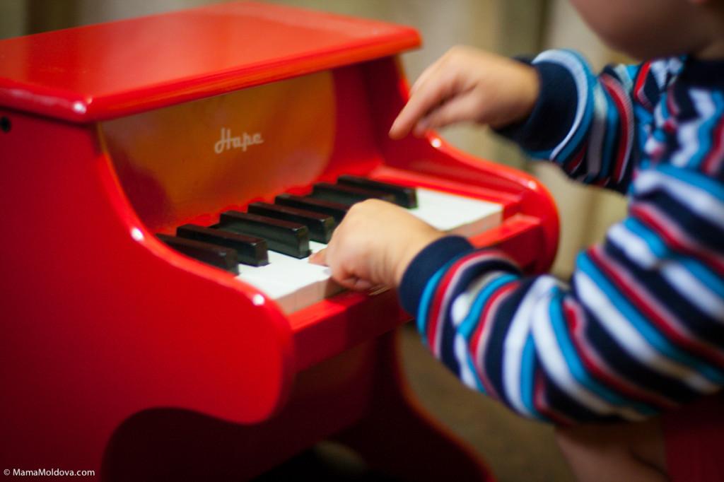 детское пианино фирмы Hape, пианино для ребёнка какое выбрать