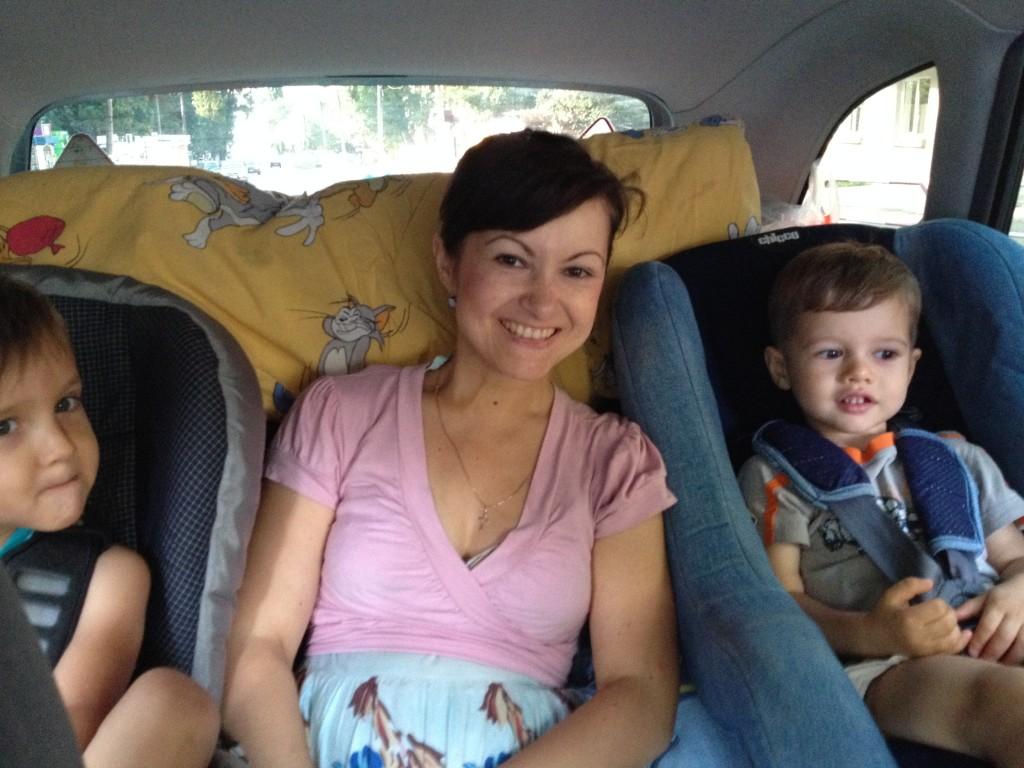 чем занять ребёнка в дороге, путешествие с детьми на машине