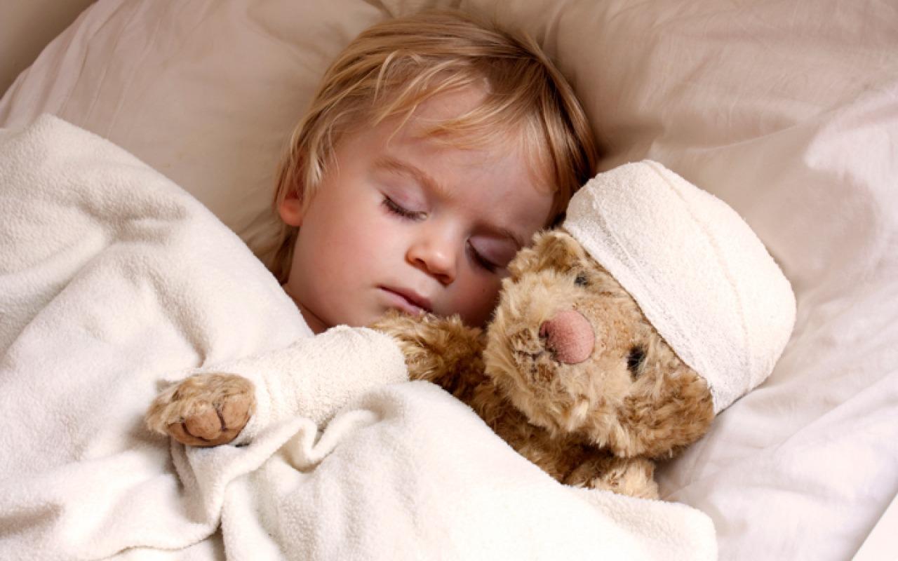 как снизить температуру у ребёнка