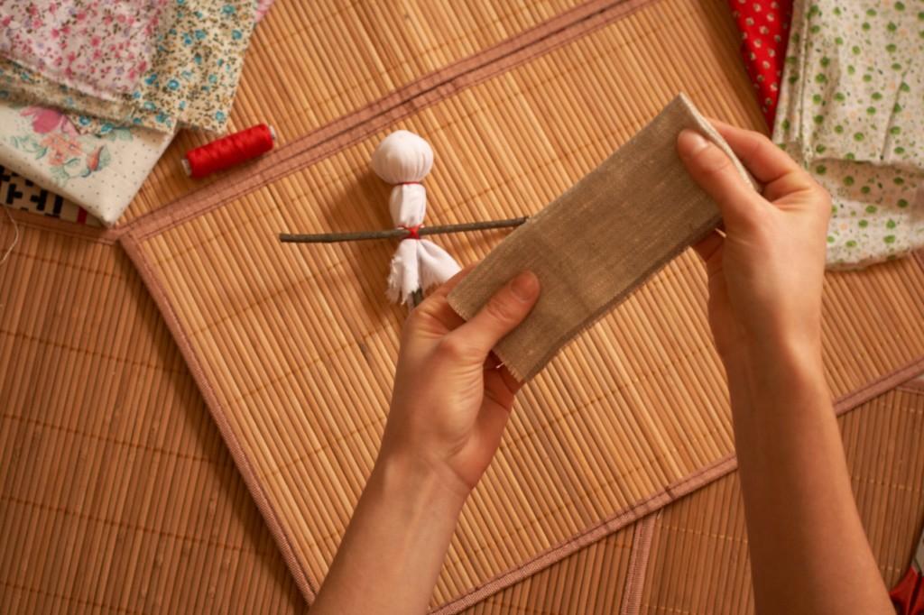 как сделать одежду для обережной куклы