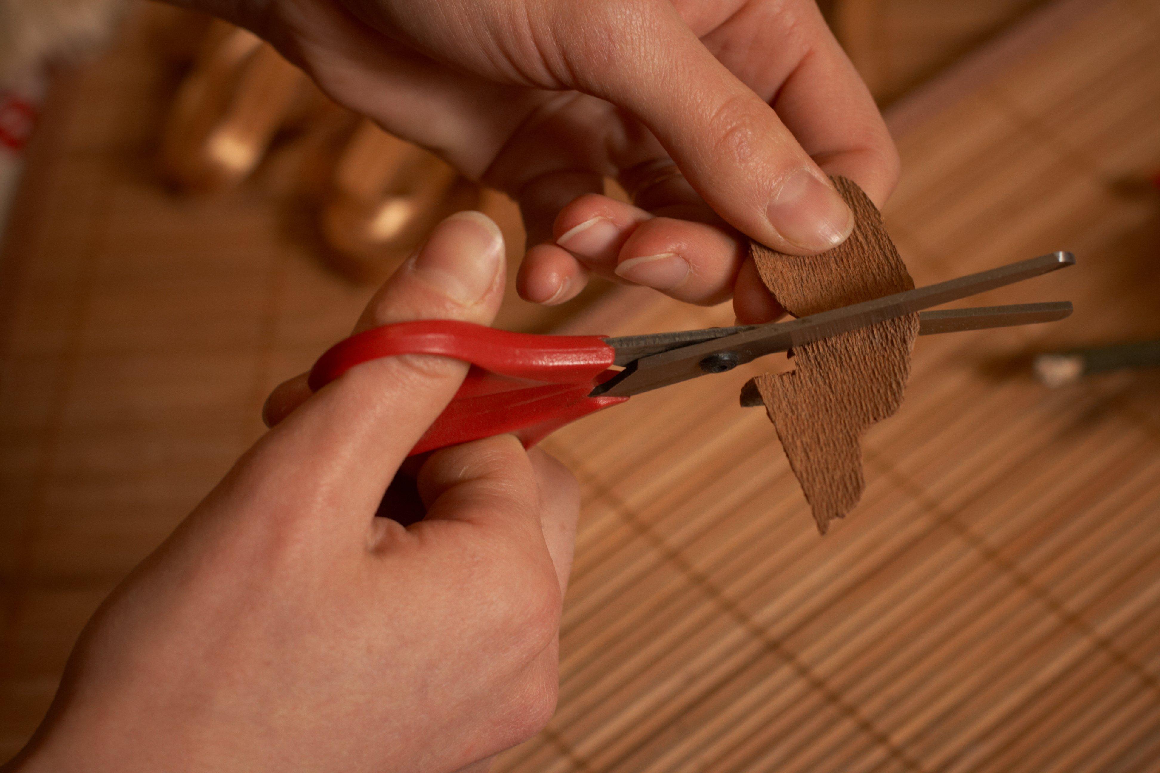 Как сделать прорезь для руки 276