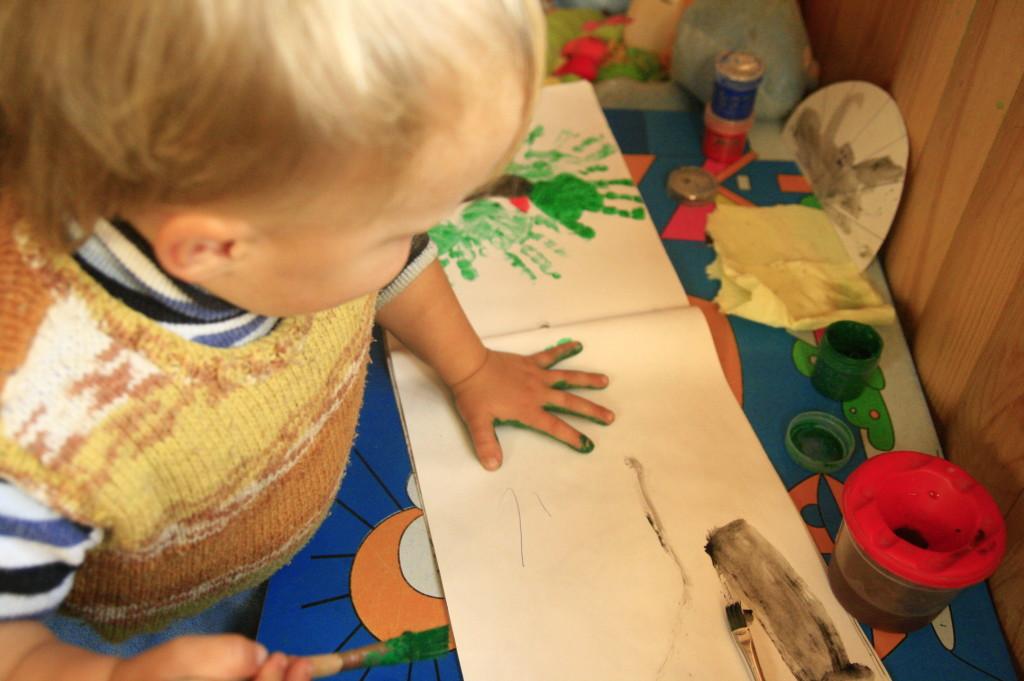 рисунки ладошками раннее развитие детей