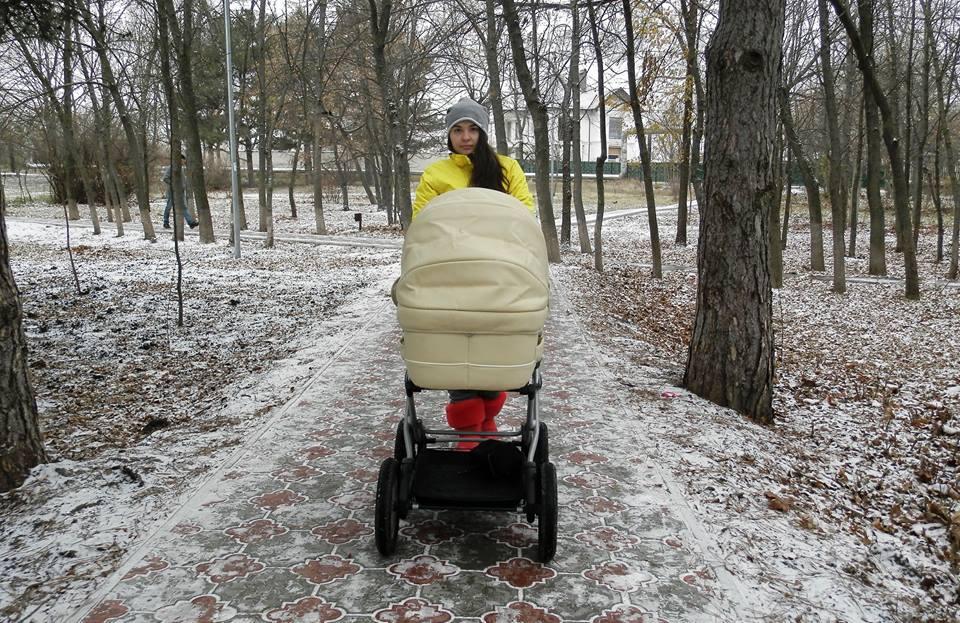 Ирина Гилёва Молдова, мама с коляской