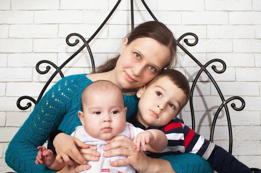 мама с сыновьями, мама и два сына
