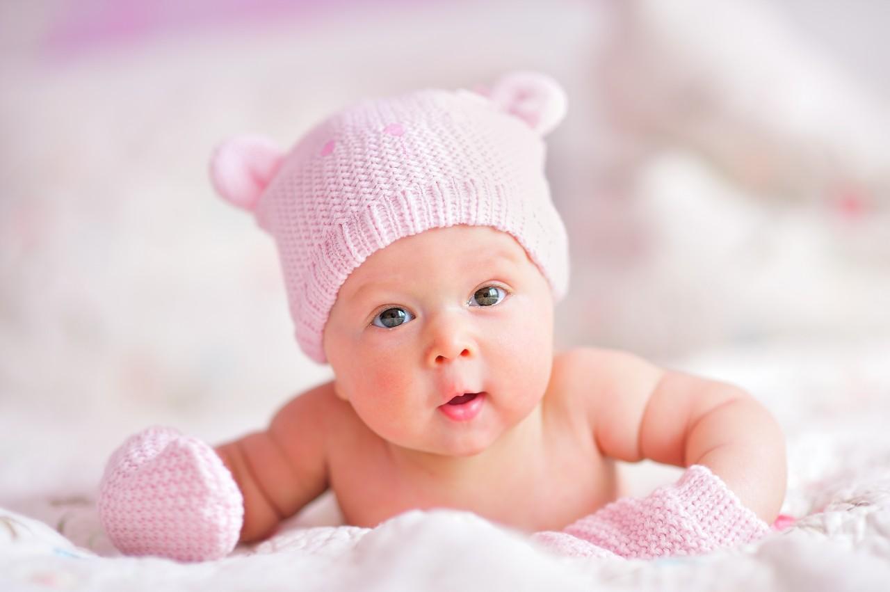 девочка новорожденная