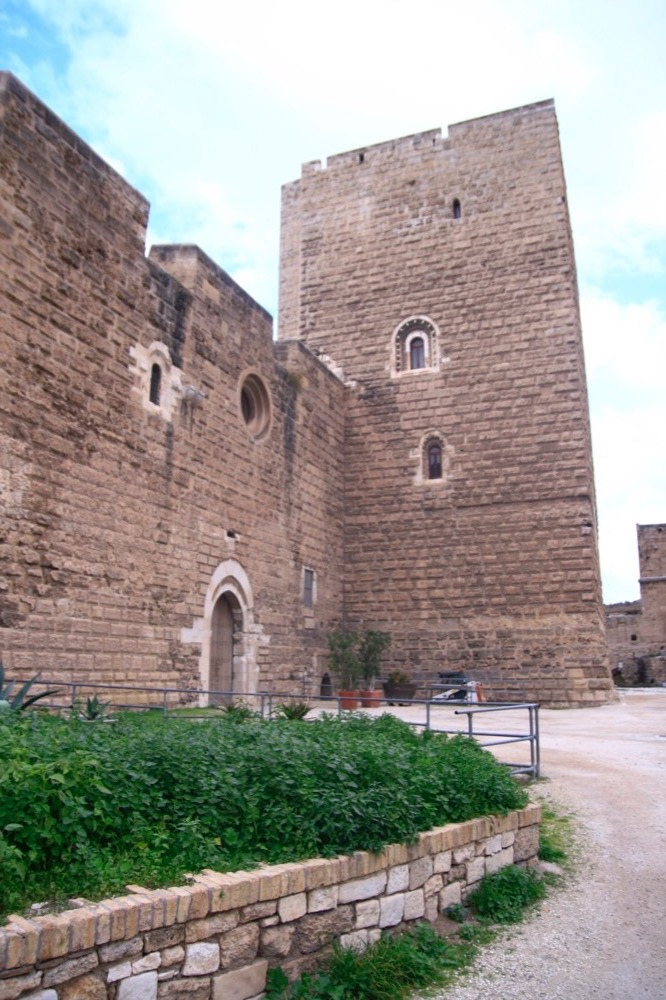 Замок свево Италия