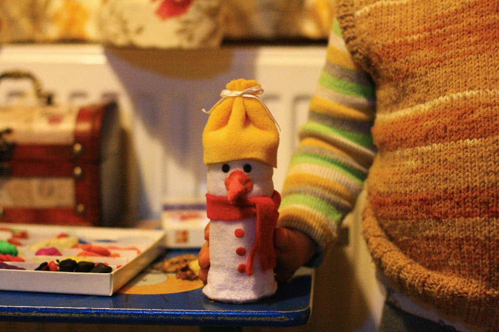 снеговик из бутылки и ткани, поделка снеговик