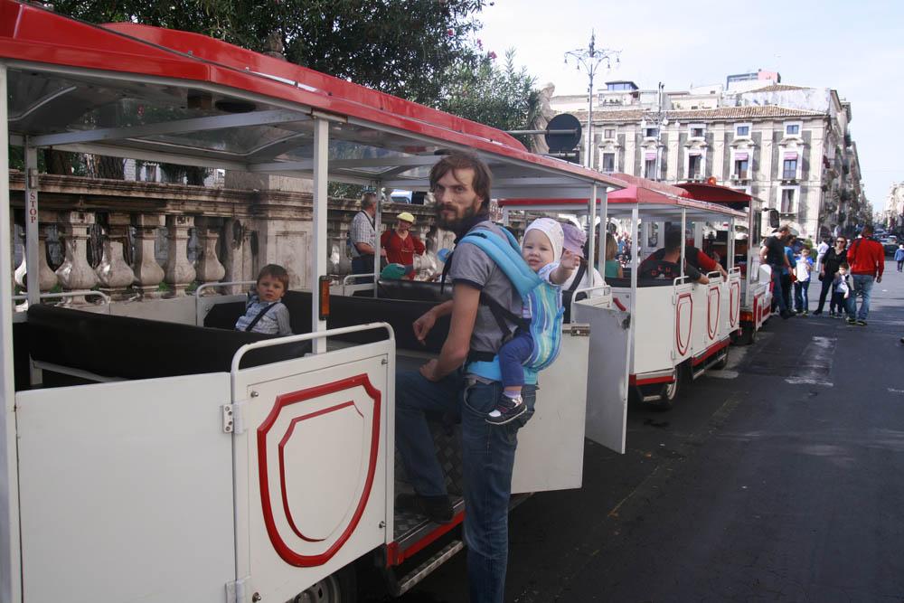 туристический паровозик Катания