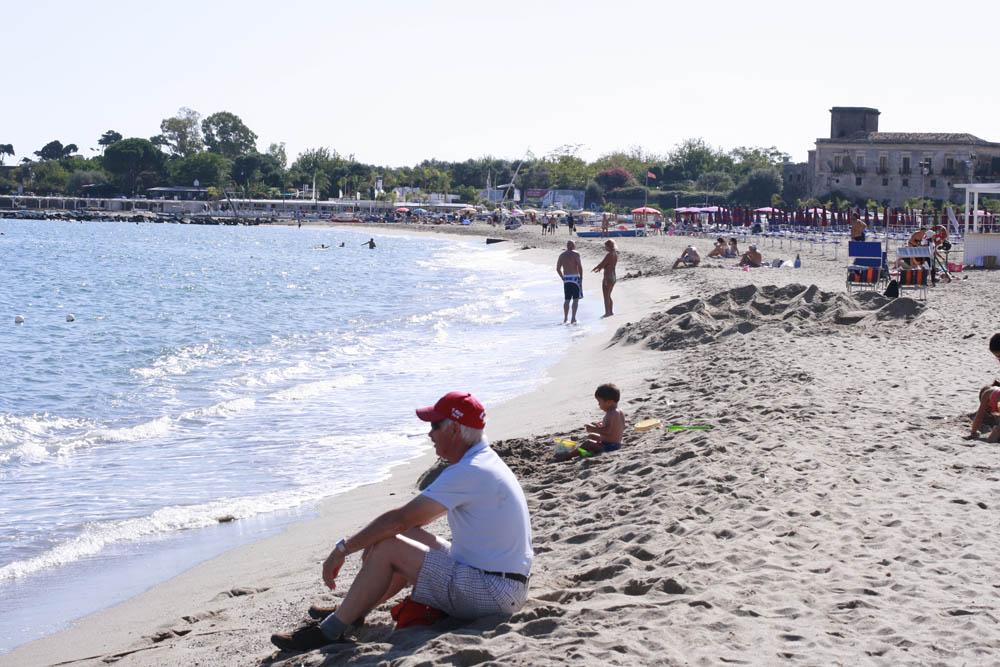 пляж в Джардини Наксосе