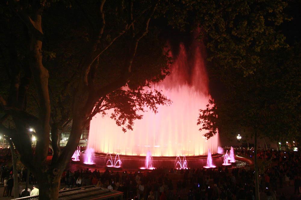 поющие фонтаны Барселона