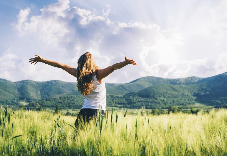 женщина природа поле здоровье