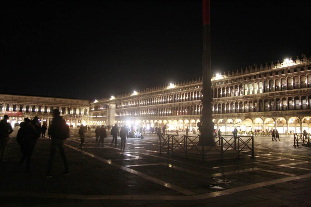 площадь сан-марко ночью