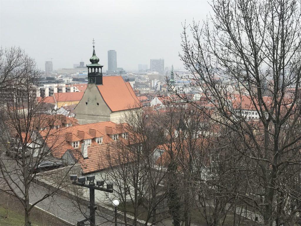 вид сверху на Братиславу