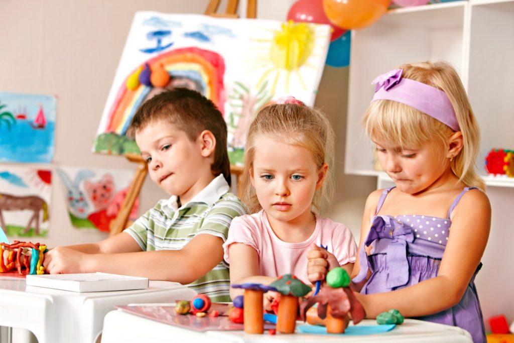 дети в детском саду, 4 ода